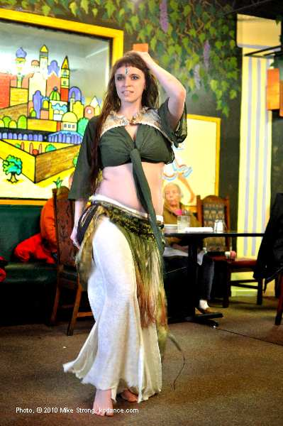 Amaya (Troupe Duende) at Belly Dance Coalition meeting in Parkville, MO at Cafe Cedar put on by Nicole English (Nikoria) - photo (c) Mike Strong www.kcdance.com