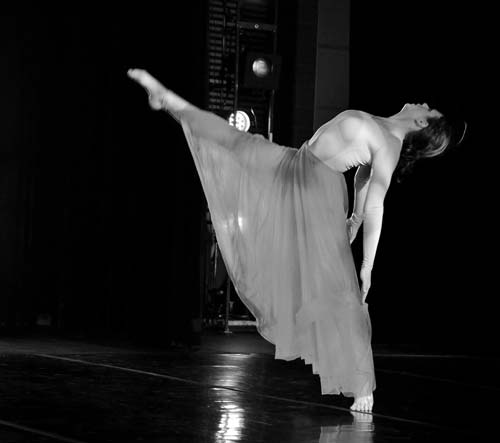 Kat Kimmitz in Siamo - Segment 1 - Choreo by Dale Fellin with dancers