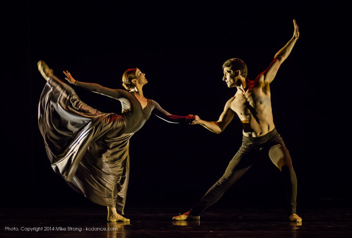 Laura Hunt and Ryan Jolicoeur-Nye in Calling by Ma Cong