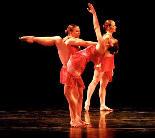 Shandi Miller, Kathryn Cowan and Lindsay Spilker-Tate performance in Moving Into Stillness by Michelle Diane Brown
