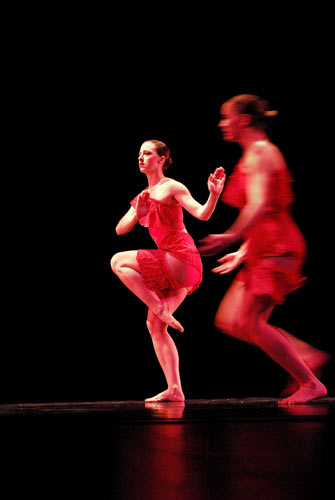 Kathryn Cowan (L) and Lindsay Spilker-Tate (R) in Moving Into Stillness by Michelle Diane Brown (performance)