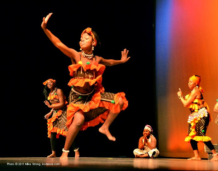 Traditional Music Society performance at Kwanzaa at the GEM 26 Dec 2011 - photo by Mike Strong, www.kcdance.com