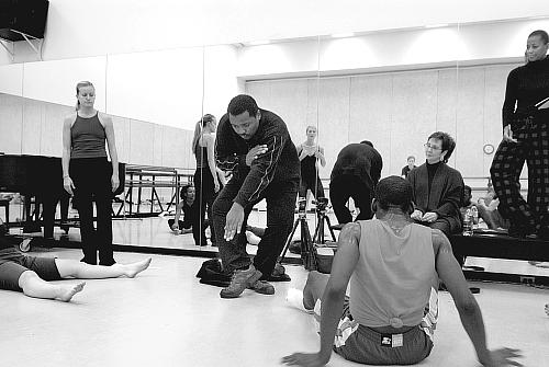 Robert Battle demonstrating. On the left is Erika Pujic (Battleworks dancer and rehearsal director for this work), Robert Battle, Mary Pat Henry, Sabrina Madison-Canon.