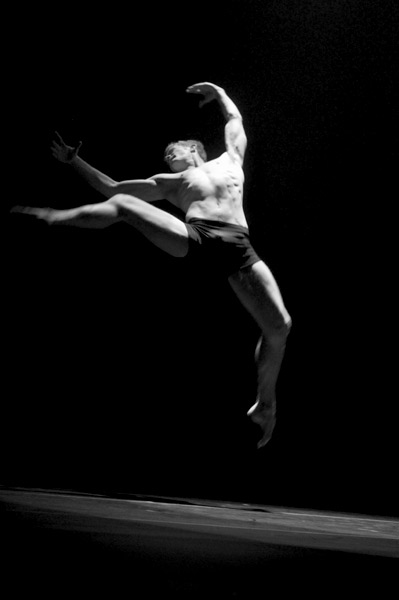 Michael Tomlinson in Les Oiseaux by Josh Beamish