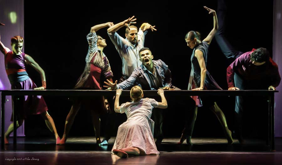 Jessica Brown in front. In back Laura Jones-Wallner, Malerie Moore, Ben Rabe, José Soares, Kristen Marshall, Ransom Wilkes-Davis in Alibi dancing for Concept Zero